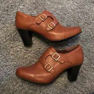 Clark's Bendables Leather Heels Size 9 AMAZING!!
